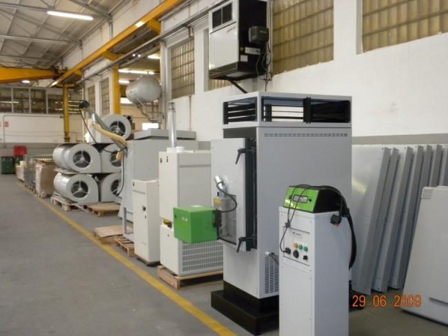 Это объясняется некоторыми факторами: воздушную систему отопления складов можно совместить с системой приточной.